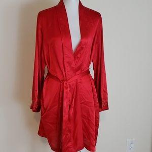 Morgan Taylor Intimates red robe size XL